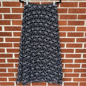 Old Navy maxi skirt size M